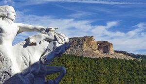 Monte Rushmore Vs. Memorial de Caballo Loco, la prolongación artística de la Guerra de las Black Hills